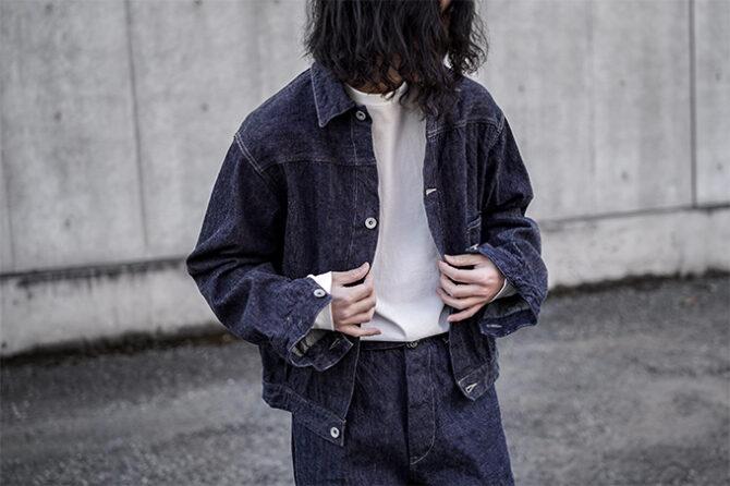 COMOLIのデニムジャケット