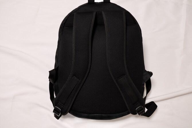 kirunaのP-3 bagの背面