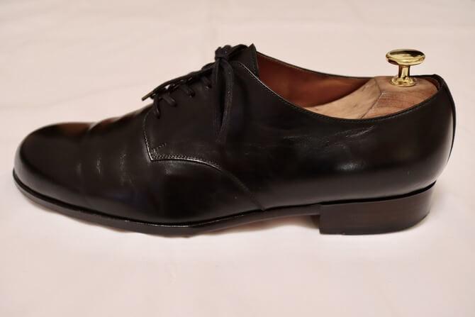 formeの革靴(横顔)