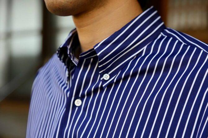 Graphpaper × Thomas mason のシャツの襟元