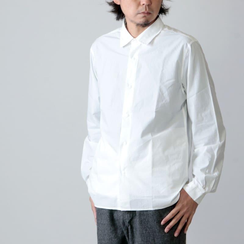 YAECAのコンフォートシャツ
