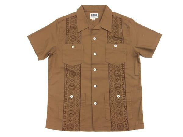ブラウンのキューバシャツ
