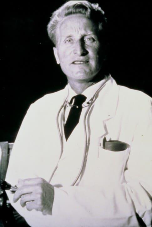 クラウス・マーチン医師