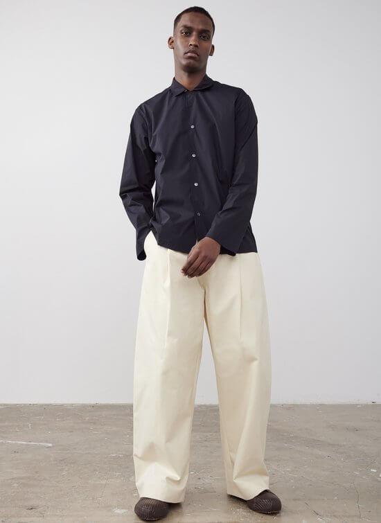 スタジオニコルソンの白パンツ