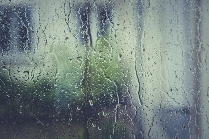 結露のついた窓