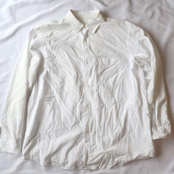 洗いざらしのコモリシャツ