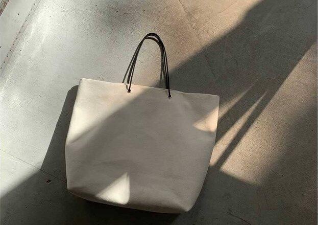 ARUMOのトートバッグ